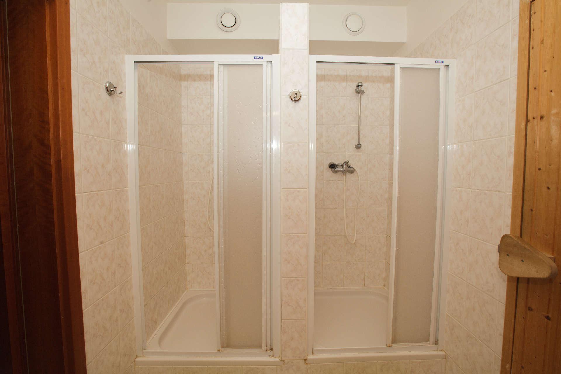 Sprchové kouty sauna – Pension Sport Poděbrady